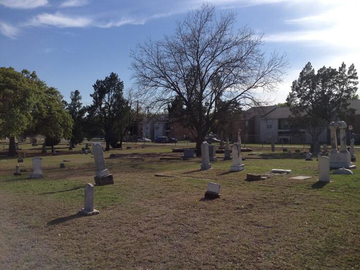 UNT 근처 cemetery